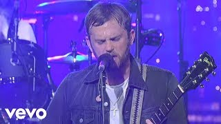 Music video by Kings Of Leon performing Closer (Live on Letterman)....