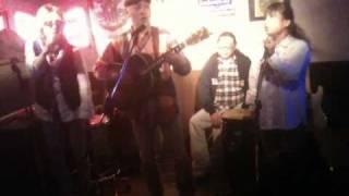 金沢のMusic Bar JealousGuyにて行われた店内LIVE。晴志さん主催のThe M...