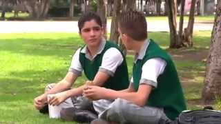 SERGIO   UN ADOLESCENTE GAY FRENTE AL BULLYING