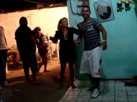 Daniel dançando rip rop ao vez de forro em preno São joão