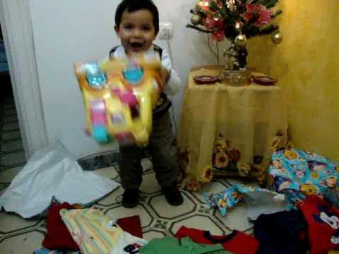 el estimulo mas agradable para un niño  es un regalo...psicologia .juan david ibarra