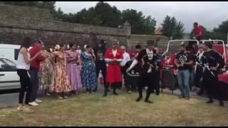 Танцуют по чеченски!Посмотрите!