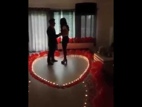 trop romantique demande en mariage youtube. Black Bedroom Furniture Sets. Home Design Ideas
