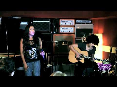 Alexandra Burke - Hallelujah (Live Acoustic)