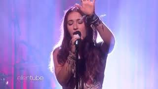 Lauren Daigle performing on the Ellen Show.
