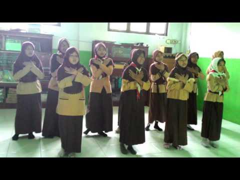 Gerak & Lagu Hymne Guru SD Islam Ummul Quro Bekasi