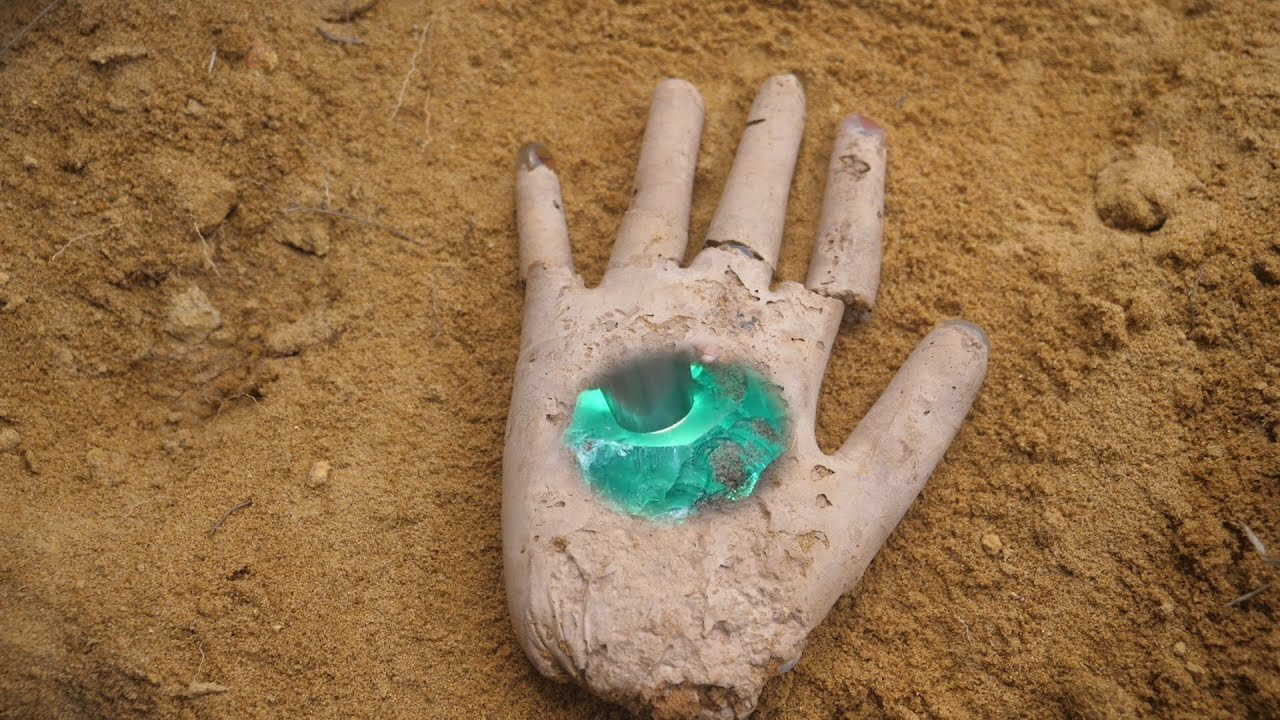 Treasure hunt / magic hand / crystals one by one / green crystal