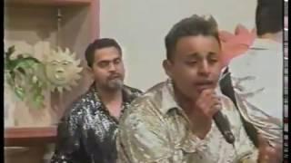 Grupo Los Empresarios -  Un Tonto Mas (en TV)