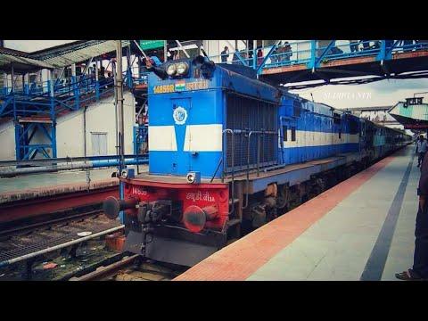 55750 Haldibari-New Jalpaiguri Passenger Entering in the Station New Jalpaiguri