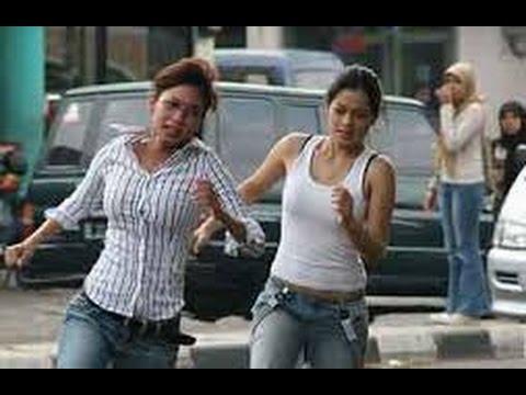 Free Download Mendadak Dangdut (2006) | (indonesia Movie) | Titi Kamal, Kinaryosih Mp3 dan Mp4