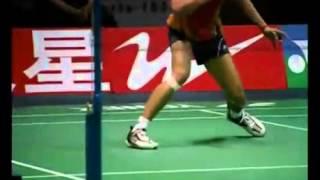羽毛球教学专家把脉【01】(发球技巧,场地步法)