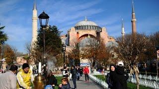 Turkey: Huge explosion rocks central Istanbul historic square