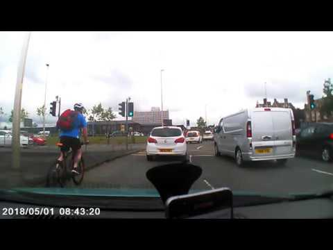 IT'S A RED LIGHT!!  -- Bad Driver, Crewe, UK