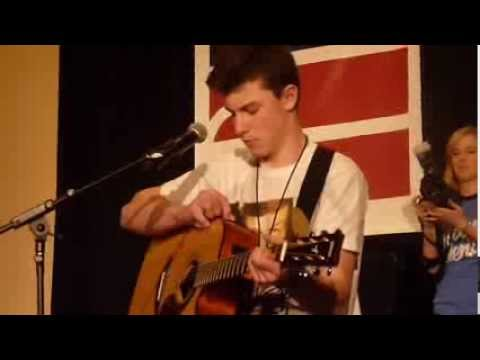 Shawn Mendes covers Give Me Love (Day 1: Magcon Bay Area)