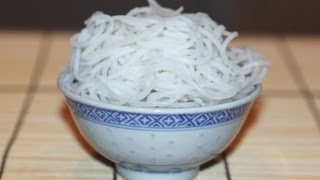 Make Perfect Rice Vermicelli for Asian Dishes (Cach Luoc Bun)