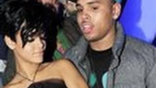 Chris Brown gets CLOSER to Rihanna !