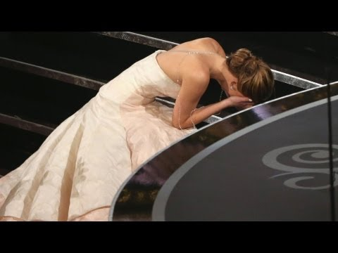 Jennifer Lawrence Fall at the Oscars - 2013 Academy Awards Highlights - Best Actress