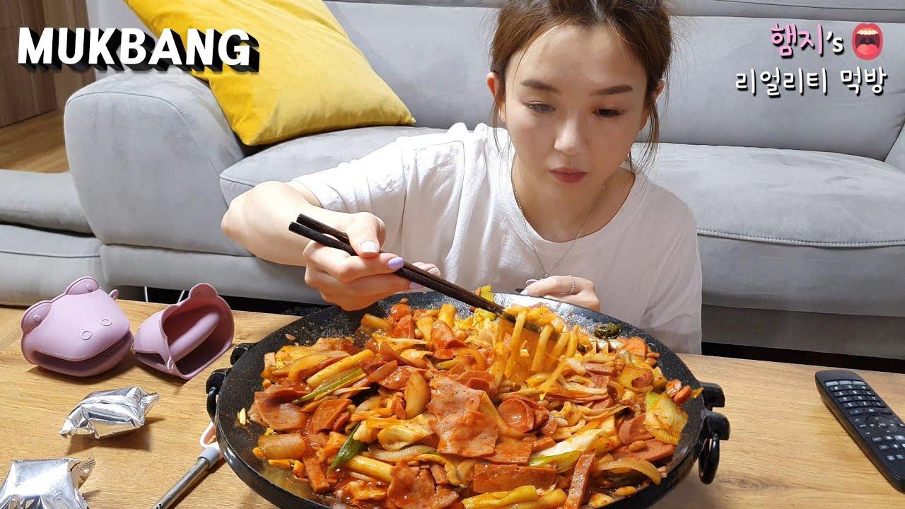 리얼먹방:) 부대찌개 지겨울땐 부대볶음 (ft. 우동사리)ㅣSpicy sausage Stir FryㅣREAL SOUNDㅣASMR MUKBANGㅣEATING SHOWㅣ