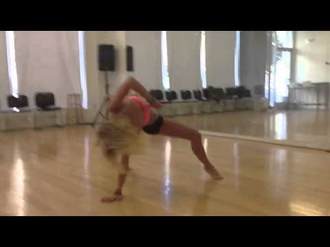 Mollee Gray in Motion - YouTube