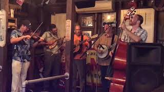 Bluegrass Revue-Looking out my backdoor