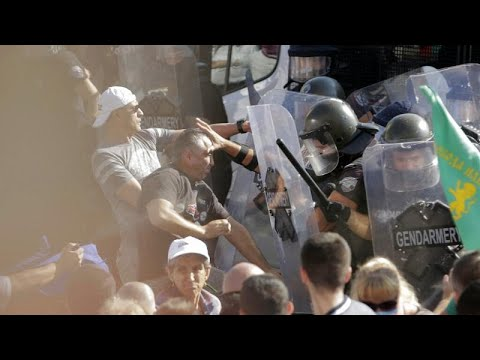 Violent protests in Bulgaria as MPs debate changes to constitution