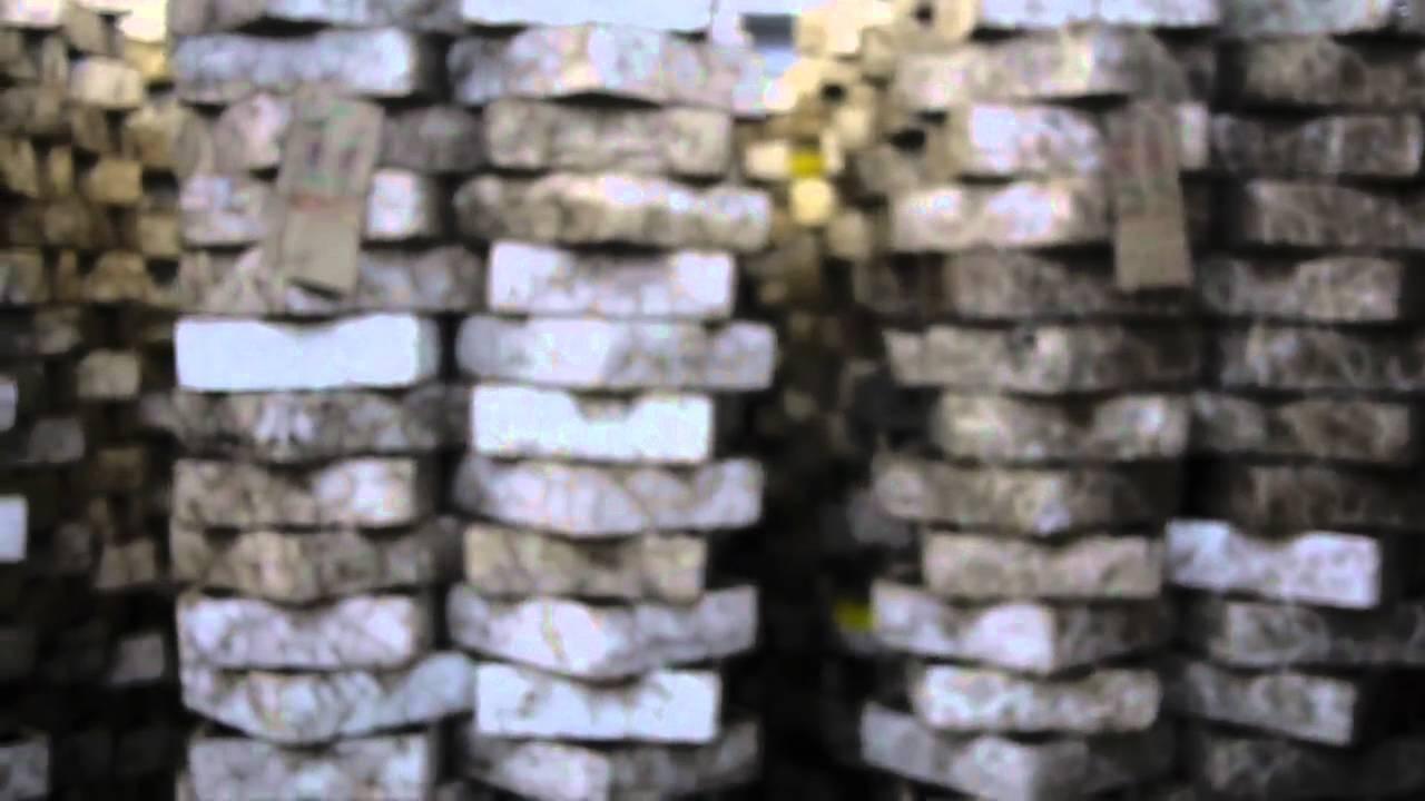 Canadian nightcrawlers worm farm storage warehouse for for Fishing worm farm