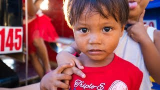 Cutest Kids in The World?  Street Photography in Coron, Philippines