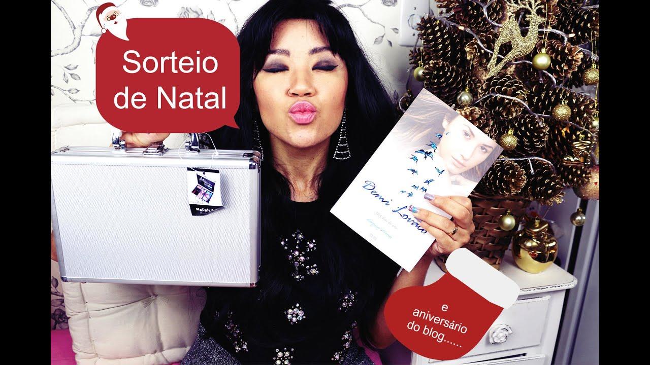 Sorteio de Natal - Maleta de Maquiagem e Livro Demi Lovato