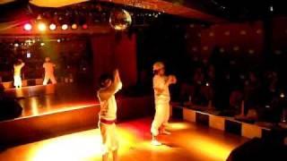2011年4月28日 「木曜ナイトショー」@目黒食堂 おりょう と 友衣子 オ...