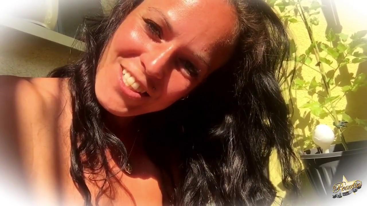 Pearlin - Nackt auf dem Balkon - YouTube