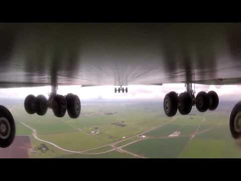 Lockheed C-5 Galaxy Landing