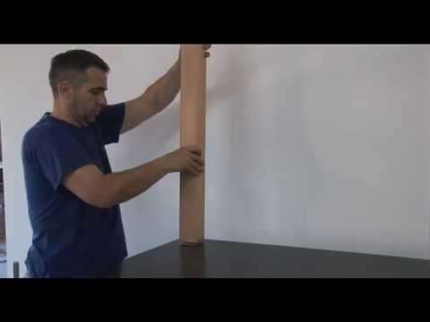 fixer un poteau moulur en bois au sol youtube. Black Bedroom Furniture Sets. Home Design Ideas