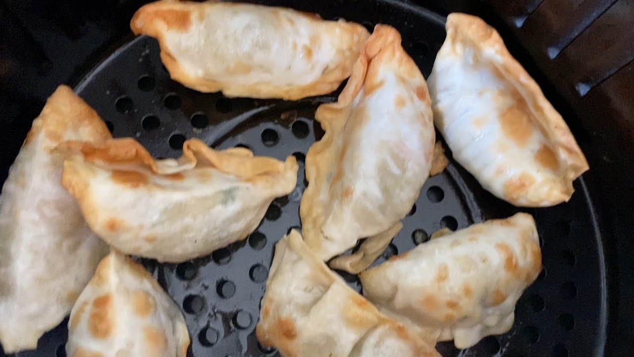 Air Fryer Frozen Potstickers - How To Cook Frozen Dumpings In The Air Fryer - So Crispy! 🥟😋