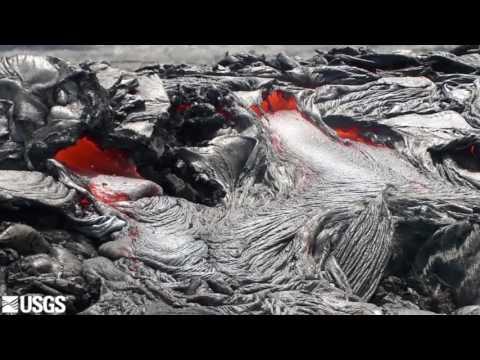 Kilauea lava advances on coastal plain