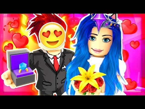 GETTING MARRIED IN ROBLOX! ROBLOX LIFE SIMULATOR!