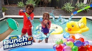 Video Water Balloon Fight 🎊Epic Family Challenge💙Zuru bunch o balloons Water Blaster - Pool Fun New Toys download MP3, 3GP, MP4, WEBM, AVI, FLV Desember 2017