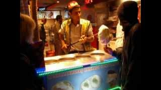 Как делают мороженое в Турции =)(, 2013-02-24T17:17:34.000Z)