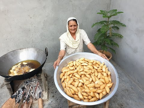 Gujiya Recipe Prepared By My Grandma   Sooji Mawa Gujiya   गुजिया   Veg Village food   recipes