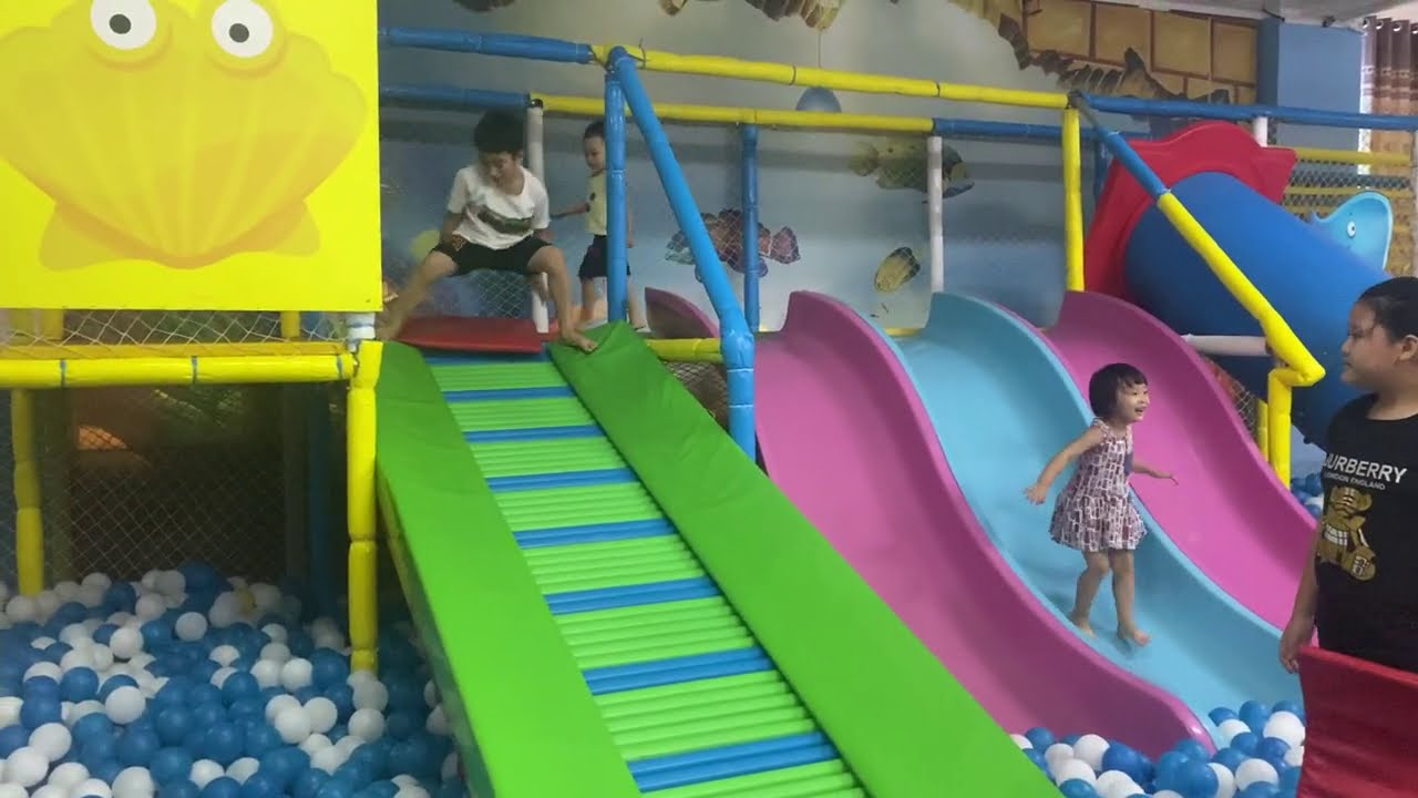Indoor playground for kids at play center with kids fun playing ball house