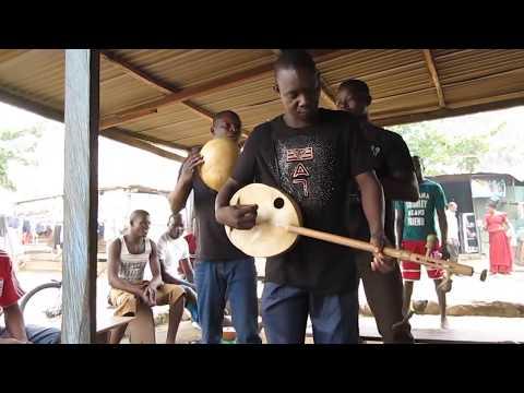 Fra Fra Kologo Performance at an Accra Pito Bar (Ghana 2016)