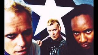 Repeat youtube video The Prodigy - Smack My Bitch Up