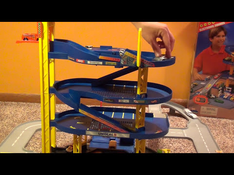 Hot Wheels Super Electronic Garage Playset - Giant Parking City with Car Wash and Sounds!