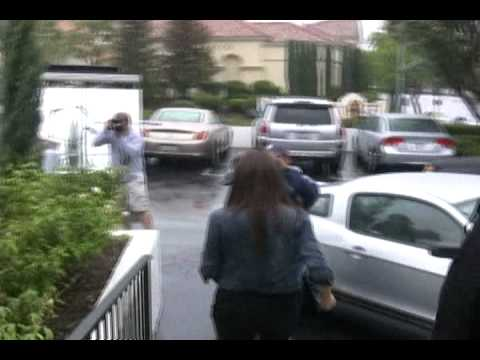 Khloe Kardashian Leaving The Dash Store 0002 DVD - 101409 - PapaBrazzi Report