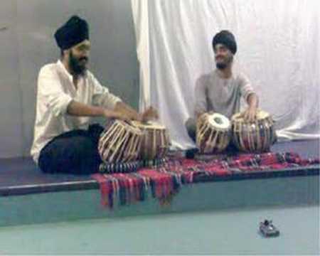 Tabla Duet - Harkiret and Gurdain - KCL Cha & Samosa 06 1/2