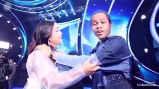 Marion peluk Kevin saat dibalik layar Eliminasi indonesian Idol 2018