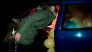 Geburtstagsstreich - Luftballons im Auto