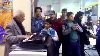 مصر العربية | هاني شنودة يغني لأطفال معرض الكتاب