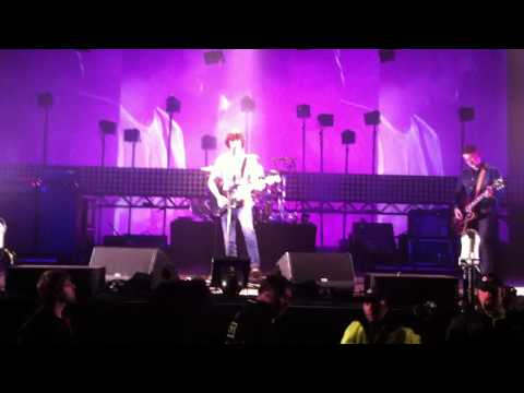Arctic Monkeys - Mardy Bum Live - Sheffield 2011