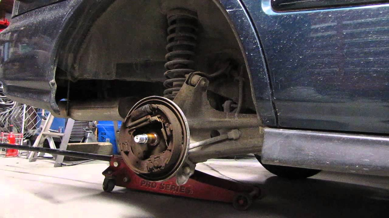 96 97 98 honda civic rear wheel bearing change  YouTube