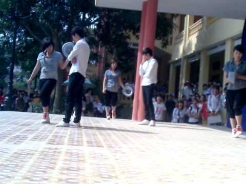 Chung khảo văn nghệ Trường THPT Chí Linh Hải Dương.